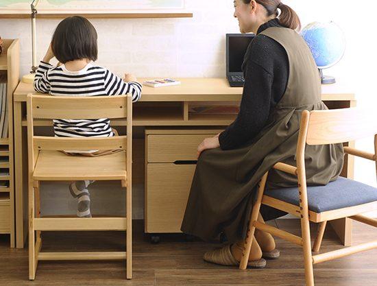 学習机・学習椅子